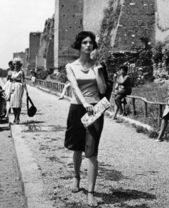 Elsa Martinelli en la película La notte brava